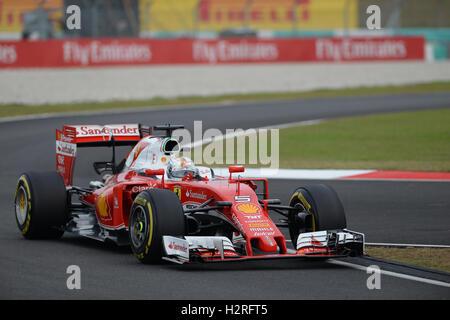Sepang, Malaysia. 1st Oct, 2016. Scuderia Ferrari's German driver Sebastian Vettel drives during the qualifying - Stock Photo
