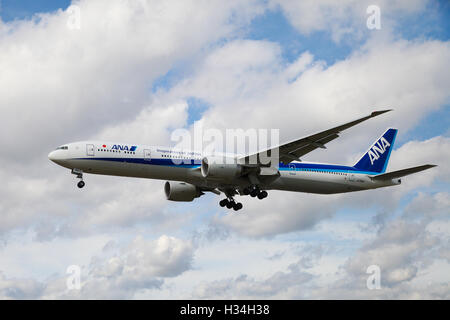 All Nippon Airways - Boeing 777-381 approaching London Heathrow airport. - Stock Photo