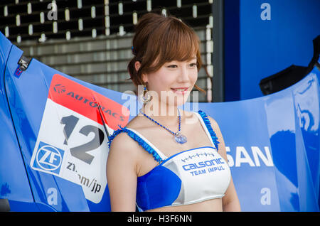 BURIRAM - JUNE 20: Unidentified Race Queen of Japan with racing car on display at The 2015 Autobacs Super GT Series - Stockfoto