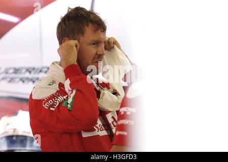 Suzuka, Japan. 8th Oct, 2016. Sebastian Vettel (GER) F1 : Japanese Formula One Grand Prix at Suzuka Circuit in Suzuka, - Stockfoto