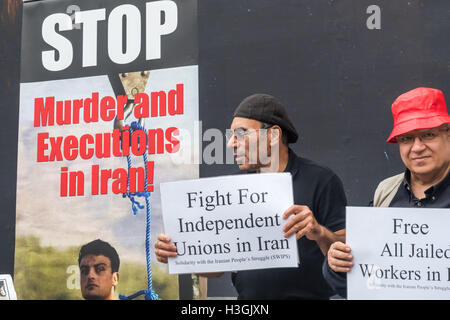 London UK. 8th October 2016. Activists of the Iranian People's Fadaee Guerrillas in London and the Democratic Anti - Stockfoto