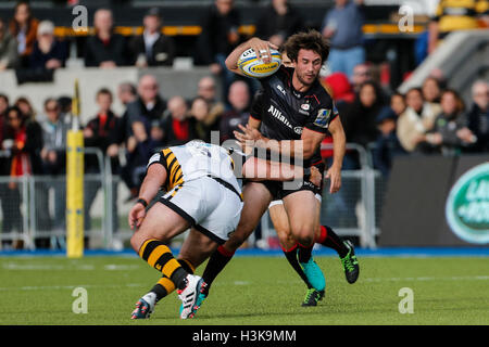 Barnet Copthall, London, UK. 09th Oct, 2016. Aviva Premiership Rugby. Saracens versus Wasps. Marcelo Bosch of Saracens - Stock Photo