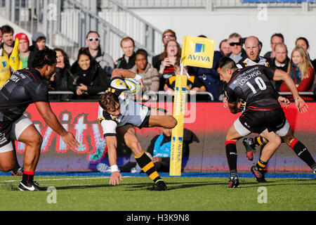 Barnet Copthall, London, UK. 09th Oct, 2016. Aviva Premiership Rugby. Saracens versus Wasps. Josh Bassett of Wasps - Stockfoto