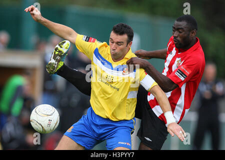 Scott McGleish of Wealdstone battles it out with Tambeson Eyong of Hornchurch - AFC Hornchurch vs Wealdstone - FA - Stock Photo