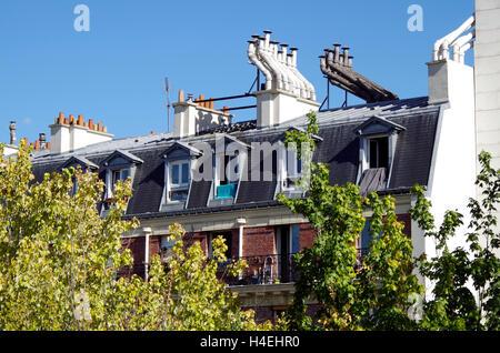 Paris France Promenade Plantée, garden on viaduct. - Stock Photo