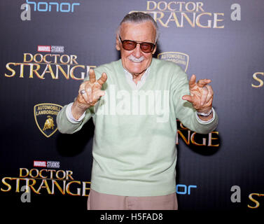 Hollywood, USA. 20th Oct, 2016. Stan Lee at the World premiere of 'Doctor Strange' held at the El Capitan Theatre - Stock Photo