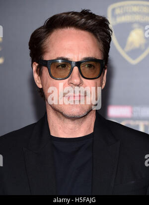 Hollywood, California, USA. 20th Oct, 2016. Robert Downey Jr. arrives for the premiere of the film 'Doctor Strange' - Stock Photo