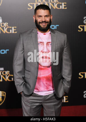 Hollywood, California, USA. 20th Oct, 2016. Guillermo Diaz arrives for the premiere of the film 'Doctor Strange' - Stock Photo