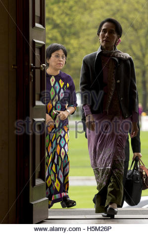 Myanmar pro-democracy leader Aung San Suu Kyi enters Bellevue presidential palace in Berlin April 10, 2014, for - Stock Photo