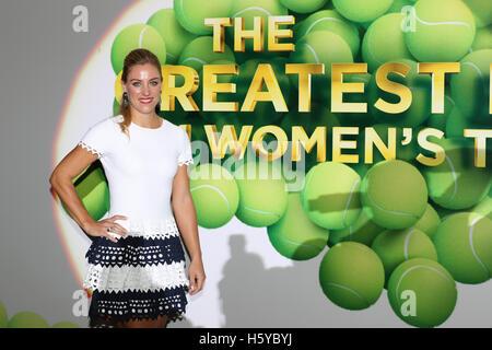 Kallang, Singapore. 21st Oct, 2016. BNP Paribas WTA Finals Women Tennis Association - Angelique Kerber arrives at - Stock Photo