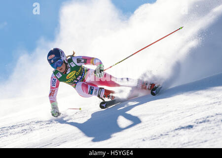 Solden, Austria. 22nd Oct, 2016. Mikaela Shiffrin of of USA competes during the first run of FIS World Cup Ladies - Stock Photo