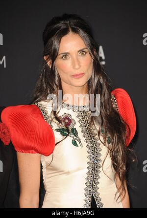 Los Angeles, CA, USA. 29th Oct, 2016. Demi Moore at arrivals for 2016 LACMA Art   Film Gala, Los Angeles County - Stock Photo