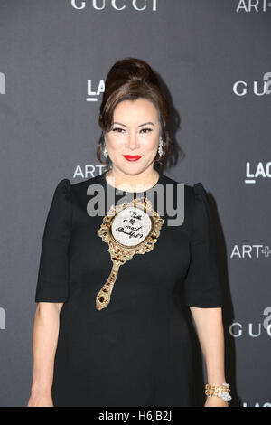 Los Angeles, Ca, USA. 29th Oct, 2016. Jennifer Tilly attends the 2016 LACMA Art   Film Gala honoring Robert Irwin - Stock Photo