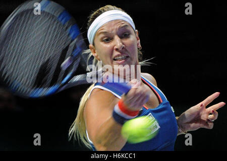 Singapore. 30th Oct, 2016. Dominika Cibulkova of Slovakia competes during the WTA Finals match against Angelique - Stockfoto
