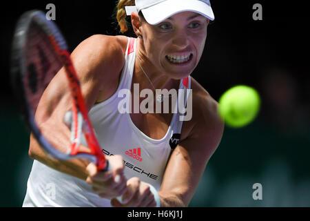 Singapore, 30th Oct, 2016. Angelique Kerber (DEU) beats Agnieszka Radwanska (POL) in the semifinal of the BNP PARIBAS - Stock Photo