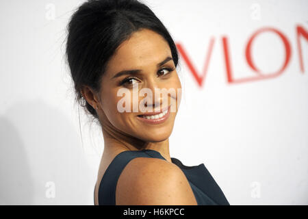 New York, United States Of America. 28th Oct, 2014. Meghan Markle attends the Elton John AIDS Foundation's 13th - Stock Photo