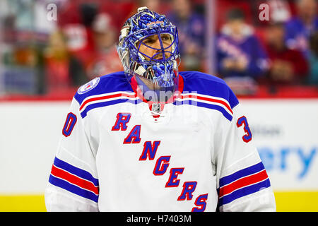 October 29, 2016 - Raleigh, North Carolina, U.S - New York Rangers goalie Henrik Lundqvist (30) during the NHL game - Stockfoto