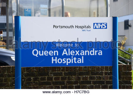 A bus lane at Queen Alexandra hospital in Portsmouth generated 2,062 penalty tickets in just 11 weeks - Stockfoto