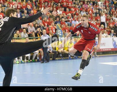 Pilsen, Czech Republic. 05th Nov, 2016. Jakub Hrstka (right) of Czech in action during the men's handball European - Stock Photo