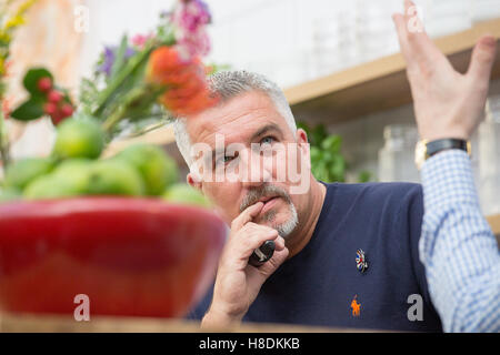 London, UK. 11th November, 2016. Paul Hollywood on the good food stage at the BBC Good Food Show at Olympia London. - Stockfoto