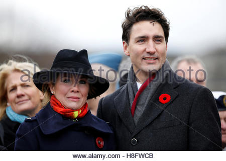 Canada's Prime Minister Justin Trudeau and his wife Sophie Gregoire Trudeau take part in Remembrance Day ceremonies - Stock Photo