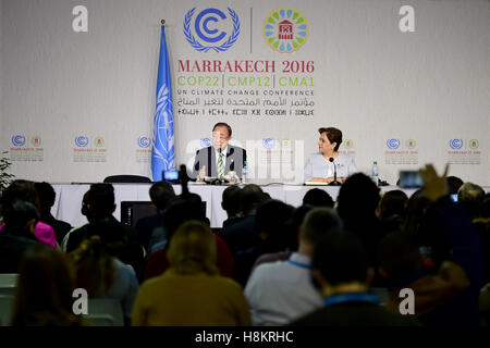 Marrakech, Morocco. 15th Nov, 2016. United Nations Secretary-General Ban Ki-moon (L) speaks during a press conference - Stock Photo