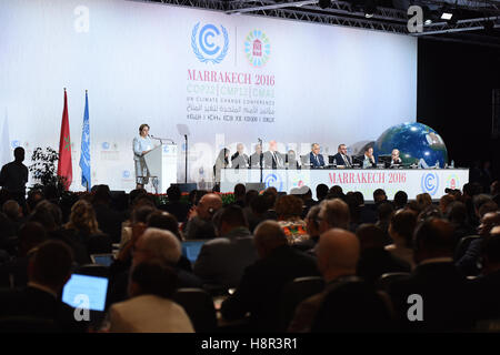 Marrakech, Morocco. 15th Nov, 2016. Patricia Espinosa, executive secretary of UNFCCC, speaks at the opening of the - Stock Photo