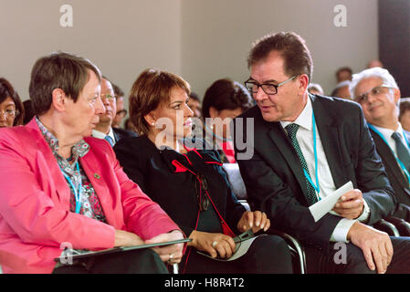 Marrakech, Morocco. 15th Nov, 2016. The German Federal Minister of the Environment Barbara Hendricks, the German - Stock Photo