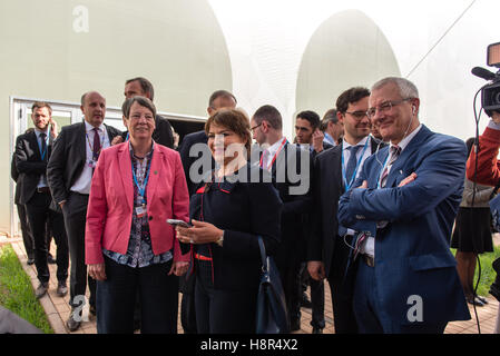 Marrakech, Morocco. 15th Nov, 2016. The German Federal Minister of the Environment Barbara Hendricks and the Moroccan - Stock Photo