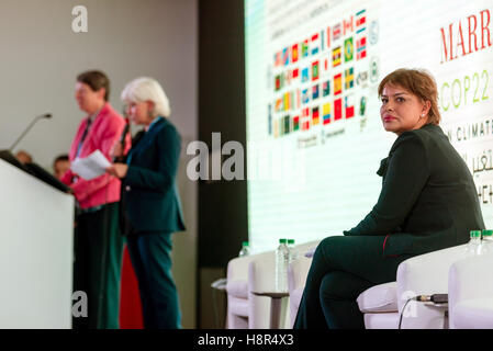 Marrakech, Morocco. 15th Nov, 2016. The German Federal Minister of the Environment Barbara Hendricks (L), the Moroccan - Stock Photo