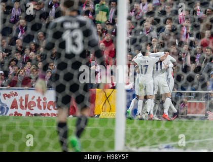 Madrid, Spain. 19th Nov, 2016. Real Madrid´s players celebrating during the Spanish La Liga soccer match between - Stock Photo