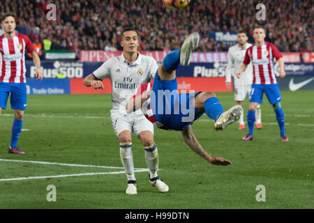 Madrid, Spain. 19th Nov, 2016. Carrasco makes a Chilena. Real Madrid beats Atletico de Madrid by 3 to 0 in the last - Stock Photo