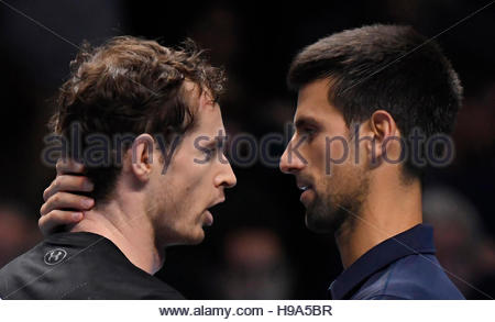 Tennis Britain - Barclays ATP World Tour Finals - O2 Arena, London - 20/11/16 Great Britain's Andy Murray and Serbia's - Stockfoto