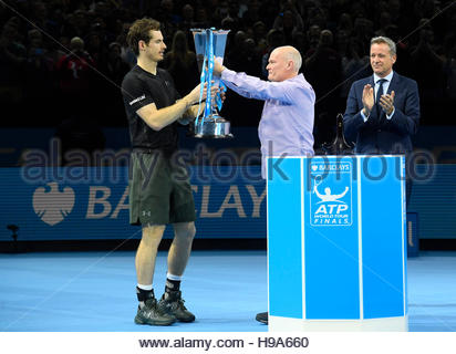 Tennis Britain - Barclays ATP World Tour Finals - O2 Arena, London - 20/11/16 Great Britain's Andy Murray is presented - Stockfoto