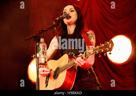 Islington Assembly Hall, Islington, London, UK, 21st November 2016, Amy MacDonald with an intimate concert at the - Stock Photo