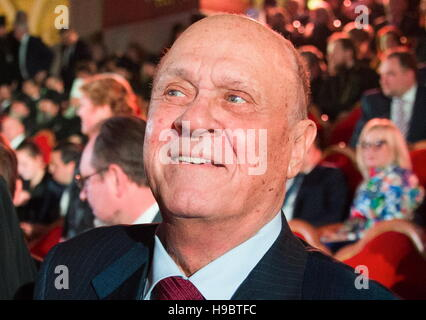 Moscow, Russia. 22nd Nov, 2016. Director Vladimir Menshov at a concert marking Patriarch Kirill's 70th birthday - Stock Photo