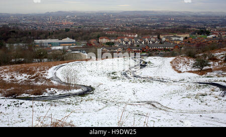Aerial view of Glasgow from cathkin braes mountain bike park during winter - Stock Photo