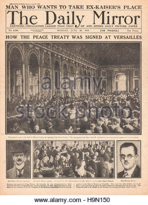 1919 Daily Mirror front page front page Signing of the Treaty of Versailles - Stock Photo