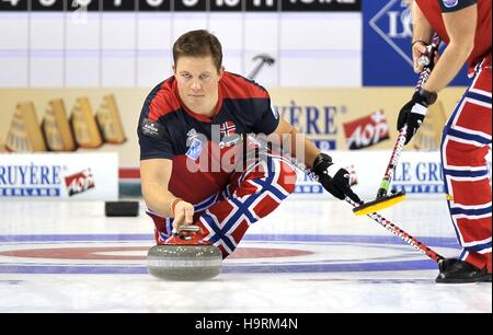 Glasgow, Scotland, UK. 26th November, 2016. Christoffer Svae (Norway). Mens final. Le Gruyère AOP European Curling - Stock Photo