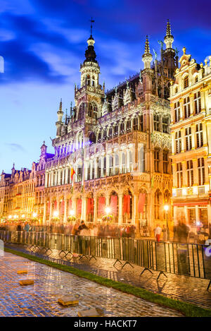 Brussels, Belgium. Wide angle night scene of the Grand Place and Maison du Roi, Europe historic square must-see - Stock Photo