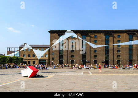 Granary Square, King's Cross, London - Stock Photo