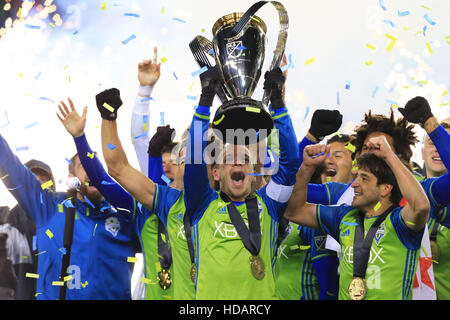Toronto, Canada. 10th Dec, 2016. Members of Seattle Sounders FC celebrate during the awarding ceremony of the 2016 - Stock Photo