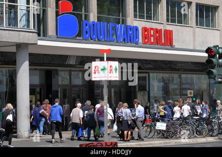 berlin steglitz boulevard berlin shopping center stock photo royalty free image 56294660 alamy. Black Bedroom Furniture Sets. Home Design Ideas