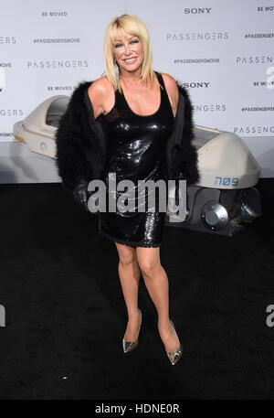Westwood, California, USA. 14th Dec, 2016. Suzanne Somers arrives for the premiere of the film 'Passengers' at the - Stock Photo