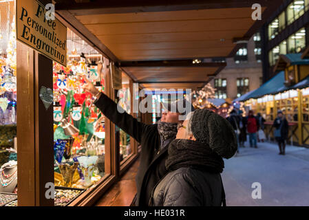 Chicago, USA.  15 December 2016.  The annual Christkindlmarket takes place in Daley Plaza in downtown Chicago bringing - Stock Photo