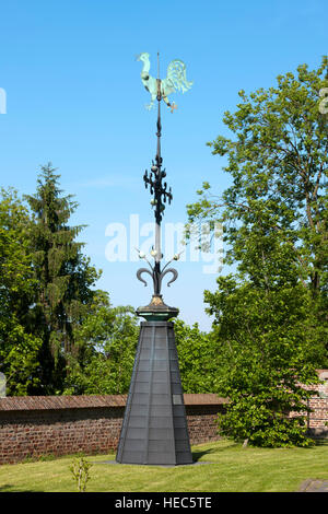 BRD, Deutschland, NRW, Heinsberg, vor der spätgotischen Stiftskirche St. Gangolf, (Selfkant-Dom), - Stock Photo
