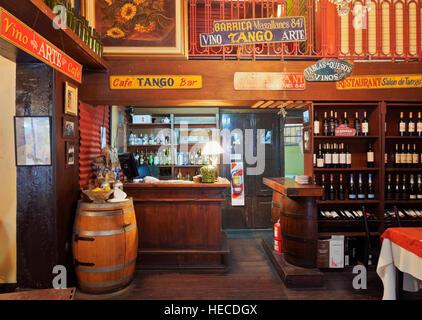 Argentina, Buenos Aires, La Boca, Traditional tango bar restaurant La Barrica. - Stock Photo