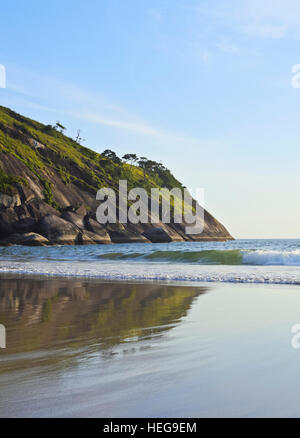 Brazil, State of Sao Paulo, Ilhabela Island, View of the beach in Bonete. - Stock Photo