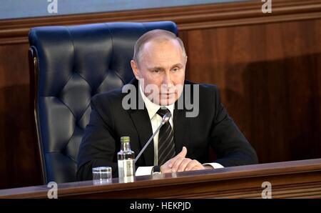 Moscow, Russia. 22nd Dec, 2016. Russian President Vladimir Putin during the annual meeting of the Defense Ministry - Stock Photo