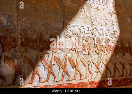 Egypt valley of the kings near luxor tourists inside tomb for Egypt mural painting